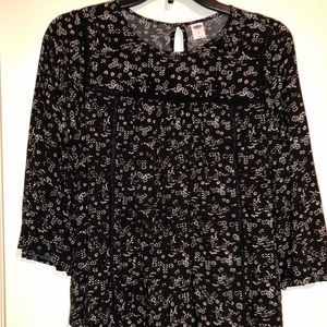 Black blouse with white print